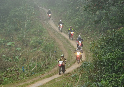 10 Days Motorbike Tour From Vietnam To Laos - Cross-border tour Vietnam - Laos (1)